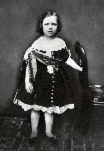 Oskar Vajld obučen kao devojčica